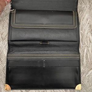Louis Vuitton Accessories - Louis Vuitton Black Tresor Porte Suhali Wallet